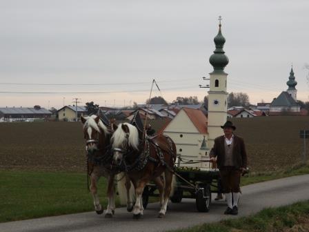 Die Kastler Kirche gefahren von Tom Jetzlsperger
