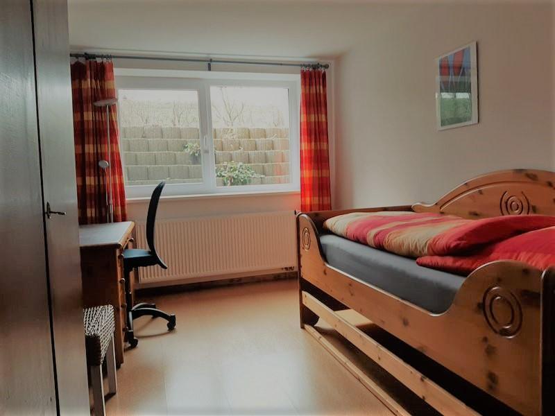 Zimmer 2 (ca. 11,60 qm)